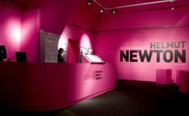Federico Motta Editore: la mostra su Helmut Newton, tra seduzione e paesaggi incontaminati